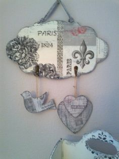 Mobiles, Art N Craft, Craft Show Ideas, Wall Plaques, Shabby Chic, Diy Crafts, Crafty, Christmas Ornaments, Holiday Decor