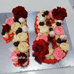 Hochzeitstorten lustige Who wouldnt like this cake for their birthday Credit: ilkbahar_pasta Number Birthday Cakes, 18th Birthday Cake, Number Cakes, 18 Birthday, Biscuit Spread, Alphabet Cake, Cake Lettering, 18th Cake, Monogram Cake