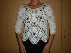 EmmHouse: White Pineapple top. I would add two or three more rows for a tunic because this is beautiful!!