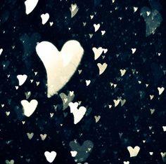 feeling falling snow hearts...