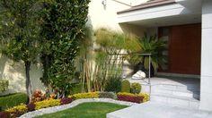 Buscá imágenes de diseños de Jardines estilo moderno de Diseno de interiores y asesoria. Encontrá las mejores fotos para inspirarte y creá tu hogar perfecto.