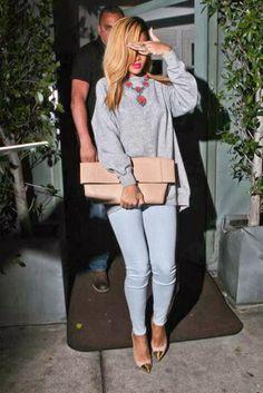 Sinovuyo Rodolo: Rihanna: Style Queen