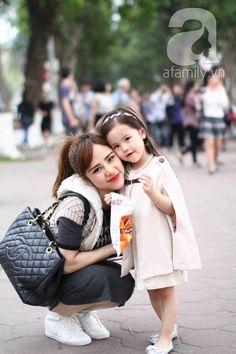 """Ikids - Đồ chơi trẻ em: MC Bạch Lan Phương: """"Làm mẹ không có nghĩa là quên bản thân mình!"""""""