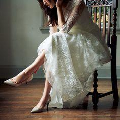 ウェディングドレスの足元こそ「気分のあがる靴」で-@BAILA ワタシを惹きつける。モノがうごく。リアルにひびく。BAILA公式サイト|HAPPY…