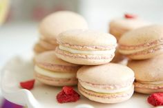 A legegyszerűbb macaron recept - Ezt próbáld ki először Macaroon Cookies, Macarons, Shortbread Cookies, Macaron Flavors, Macaron Recipe, French Macaroon Recipes, French Macaroons, Easy Desserts, Gastronomia