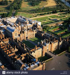 Stock Photo - Hampton Court Palace built by Cardinal Wolsey London UK aerial view Hampton Palace, Palace Uk, Hampton Court, South Hampton, Wonderful Places, Beautiful Places, Amazing Places, Places To Take Toddlers, Castles In England