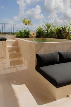 Idée aménagement terrasse jardin style marocain contemporain avec piscine naturelle Tulum, Style Marocain, Holiday Apartments, Unique Architecture, Cata, Outdoor Furniture, Outdoor Decor, Natural Materials, Industrial Style