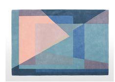 Le Studio Made dévoile son nouveau modèle de tapis, baptisée Pyramid. Inspiré par les aquarelles de l'artiste Suisse Paul Klee, ce tapis moelleux associe des courbes géométriques et une combinaison de teintes pastel pour une déco arty et cosy. Il est proposé à 199€ sur le site Made.com.