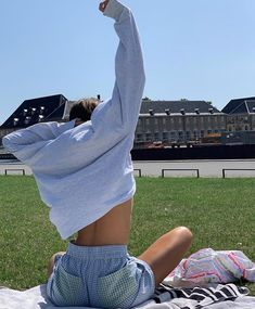 Discover recipes, home ideas, style inspiration and other ideas to try. Skater Girl Outfits, Skater Girls, Summer Outfits, Cute Outfits, Mein Style, Mode Streetwear, Grunge Hair, Vogue, Style Inspiration