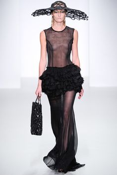 John Rocha Spring 2014 Ready-to-Wear Collection Slideshow on Style.com