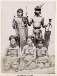 From The Philippine Islands, by Ramon Reyes Lala. Old Photos, Vintage Photos, African Tribal Girls, Korean Photography, Bali Girls, Filipino Tribal, Philippines Culture, Filipino Culture, Tribal People