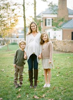 Neutral maternity style