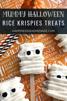 Mummy Halloween Rice Krispies Treats: These cute Mummy Halloween Rice Krispies Treats are fun to make and even more fun to eat! Make these easy Halloween treats for friends, family, and parties! #Halloween #HalloweenTreats #HalloweenDessert Halloween Desserts, Holiday Desserts, Halloween Treats, Halloween Cupcakes, Creepy Halloween, Halloween Party, White Chocolate Candy, Chocolate Candy Melts, Chocolate Wafers