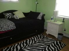 Cute bedroom ideas for teen girls... Lime green walls with zebra