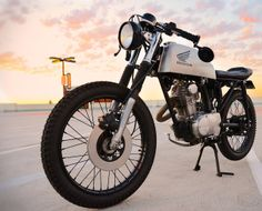 Cafe Racer, custom and classic motorcycles from around the globe. Featuring the world& top builders of custom motorcycles and Cafe Racers since Cafe Racer Honda, Cafe Racer Motorcycle, Brat Bike, Motorcycle Gear, Honda Motorcycles, Custom Motorcycles, Custom Bikes, Small Motorcycles, Moto Cafe