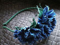 "Tiara's, hoepels handgemaakt.  Fair Masters - handgemaakt.  Koop lederen hoofdband ""Korenbloemen"".  Handgemaakt.  Blauw lederen sieraden http://www.livemaster.ru/item/4742263-ukrasheniya-obodok-iz-kozhi-vasilki"