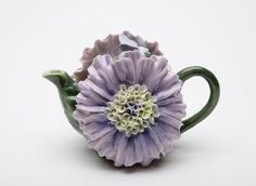 Dahlia flower teapot