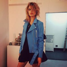 Hailey Baldwin nails the coloured leather trend. Like a boss.