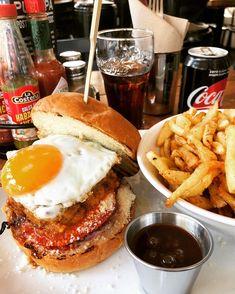 Αξίζει να βγεις απ΄τον δρόμο σου για ένα <b>σούπερ burger</b> στο <i>Juicy Grill</i>