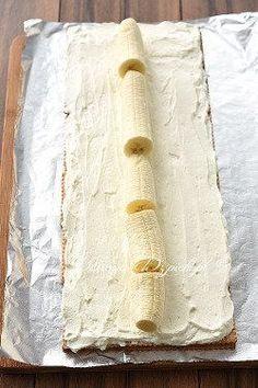 Chocolate and hazelnut cake - HQ Recipes Köstliche Desserts, Delicious Desserts, My Favorite Food, Favorite Recipes, Cake Recipes, Dessert Recipes, Banana Pudding Recipes, Hazelnut Cake, Polish Recipes