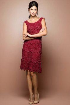 Новое-это хорошо забытое старое. Ранее это платье встречалось на просторах под названием Клевер за счет листиков на подоле платья. Официальное название с сайта Монторо Рим. Схемы прилагаются.