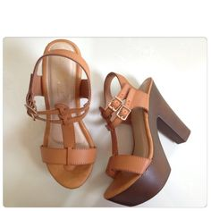 Brown Strappy Platform Heel/Sandals NO TRADES size 6.5 but I think it fits more like a 6. Shoes Sandals