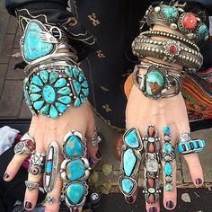 my sage silver ring finally arrived… the turquoise in this ring is next level! Western Jewelry, Ethnic Jewelry, Navajo Jewelry, Bohemian Jewelry, Jewellery, Estilo Navajo, Estilo Folk, Turquoise Rings, Coral Turquoise