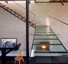 Professionals in staircase design, construction and stairs installation. In addition EeStairs offers design services on stairs and balustrades. Glass Walkway, Glass Bridge, Interior Stairs, Interior Architecture, Interior And Exterior, Interior Balcony, Interior Modern, Interior Design, Home Interior