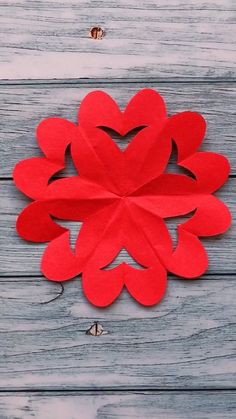16 Creative and Easy Paper Cutting Flower Patterns - SomLog Paper Flowers Craft, Paper Roll Crafts, Flower Crafts, Diy Crafts For Girls, Diy Crafts Hacks, Origami And Kirigami, Origami Art, First Sewing Projects, Card Making Templates