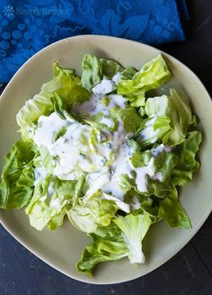 Making your own homemade ranch dressing is EASY! All you need is buttermilk, mayo, some spices and fresh herbs. So much better than store bought! Buttermilk Ranch Dressing, Homemade Ranch Dressing, Ranch Dressing Recipe, Salad Dressing Recipes, Salad Recipes, Salad Dressings, Whole Food Recipes, Cooking Recipes, Healthy Recipes