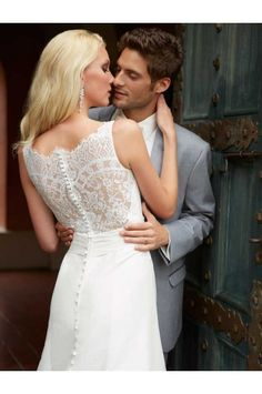 Allure Bridals Wedding Dress STYLE 2655 http://www.australiadressbuy.com/allure-bridals-wedding-dress-style-2655.html