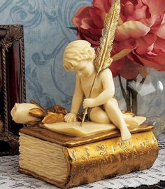 Things a Book Lover Would Love to Just Have Around His or Her House or Apartment....This one, for the Lover's Desk!