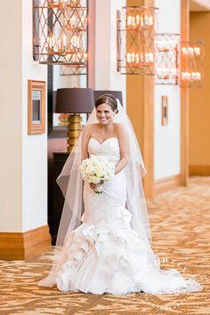 Lauren and Jared   Wedding Ceremony at Christ Chapel #lightlyphoto #omnifortworth #fortworthwedding