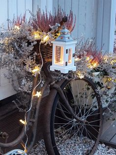 old bicycle, lights, lantern, veranda, rural-romantic Diy Christmas Lights, Christmas Love, Christmas Decorations, Autumn Inspiration, Garden Inspiration, Autumn Garden, Candle Lanterns, Porch Decorating, Holidays And Events
