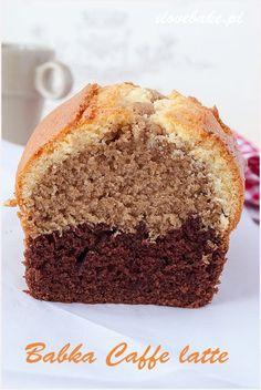 babka caffe latte dobra w smaku Polish Desserts, Polish Recipes, Just Desserts, Gourmet Recipes, Sweet Recipes, Cake Recipes, Cooking Recipes, Babka Recipe, Sweet Bread