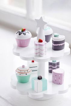 Lovingly hand crafted using the finest wood, these beautifully decorated cakes and cupcakes look good enough to eat.