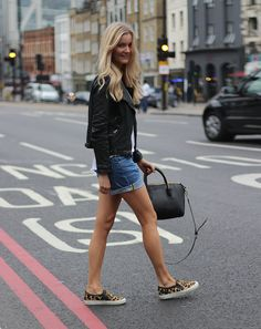 Streets of London #fashion #streetstyle #styling #blogger #outfit http://passionsforfashion.dk