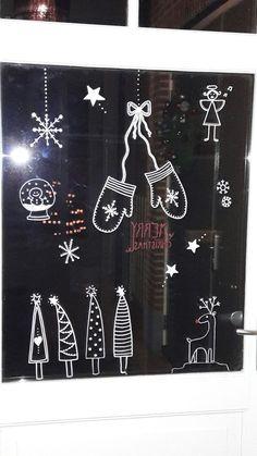 Weihnachtsszene auf Fenster mit Kreidemarkierung - Basteln Weihnachten Stern - #auf #Basteln #Fenster #Kreidemarkierung #mit - #basteln #fenster #kreidemarkierung #stern #weihnachten #weihnachtsszene