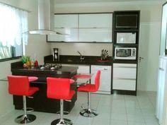 Selecionamos oito dicas para tornar a sua cozinha mais funcional e bonita.