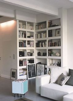 biblioth que billy ikea angle salon pinterest photos angles et ikea. Black Bedroom Furniture Sets. Home Design Ideas