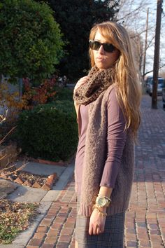 love the simple neutral colors together #gap #rayban #knittedscarf