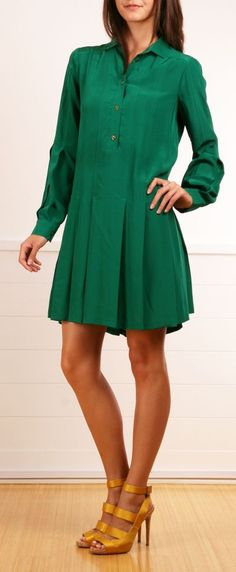 This dress would look hot with a belt cinched at the waist...love!