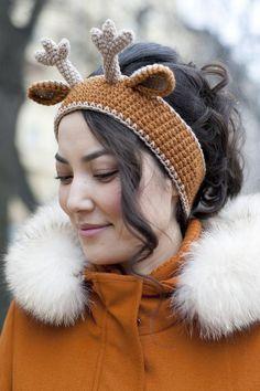 Exceptional Stitches Make a Crochet Hat Ideas. Extraordinary Stitches Make a Crochet Hat Ideas. Crochet Deer, Cute Crochet, Beautiful Crochet, Crochet Crafts, Crochet Baby, Crochet Projects, Crochet Headband Pattern, Knitted Headband, Crochet Patterns