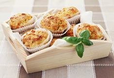 Slané muffiny so šunkou a syrom 20 Min, Dairy, Cheese, Cooking, Breakfast, Site Officiel, Quiches, Sauces, Pizza