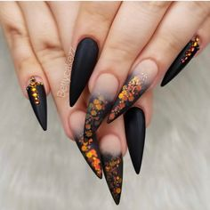 Finest Long Nail Art Designs for Beautiful Hands in 2018 Are you looking for latest nail designs? There are so many options in nail designs as you can see here the most beautiful adorable ideas of long nail arts and designs for bold ladies. Nail Art Halloween, Halloween Nail Designs, Fall Nail Designs, Acrylic Nail Designs, Scary Halloween, Halloween Ideas, Halloween Makeup, Halloween Mermaid, Orange Nail Designs
