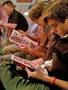 Sprouse Bros, Dylan Sprouse, Zack Et Cody, Suit Life On Deck, Baby Cast, Cole Spouse, Riverdale Cole Sprouse, Dylan And Cole, Biology Classroom