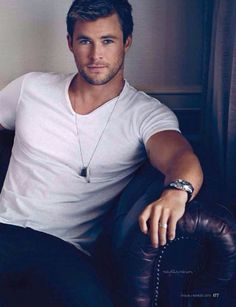 Chris Hemsworth/Shaw Weatherly The Hybrid:Antecedent Novel by Teresa Marie Wallace Liam Hemsworth, Hemsworth Brothers, Chris Pratt, Chris Evans, Jamie Dornan, Pretty People, Beautiful People, Snowwhite And The Huntsman, Actrices Hollywood