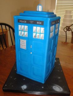 Saw this on Facebook and had to share. The Tardis cake.   (If anyone knows who made this please let me know so I can give proper credit. Thank you!!)