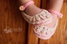 Molly's Summer Slippers by Mamachee Crochet Patterns