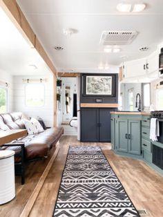 Travel Trailer Camping, Travel Trailer Remodel, Camper Rental, Diy Camper, Van Conversion Interior, Bus Living, Trailer Decor, Rv Interior, Camper Makeover